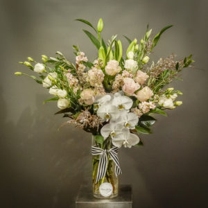 Beautiful arrangements with Sydney wide delivery